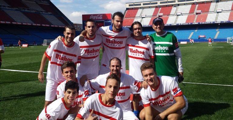 Diez villaodonenses del Atleti vivieron su sueño de jugar en el Vicente Calderón