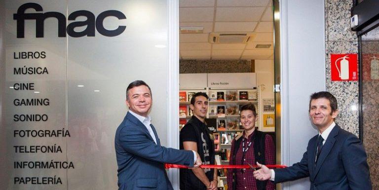 La FNAC más pequeña del mundo abre sus puertas en Villaviciosa