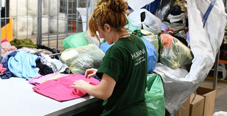 Villaviciosa de Odón supera las 72 toneladas  recuperadas de textil usado para darles un fin social