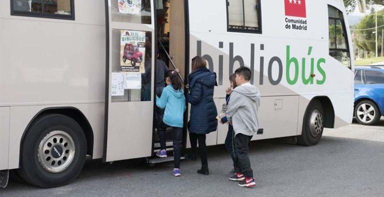 El servicio de Bibliobús cambia de ubicación situándose cada miércoles frente al Centro Comercial Villacenter