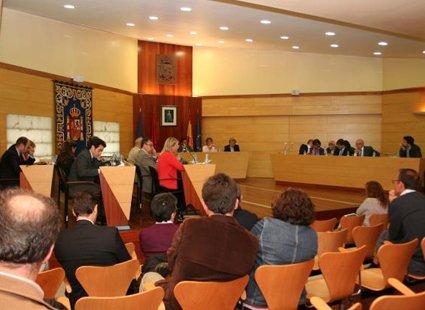 Aprobada la adjudicación de la Ciudad del Fútbol con los votos en contra de PSOE, UPyD e IU-LV